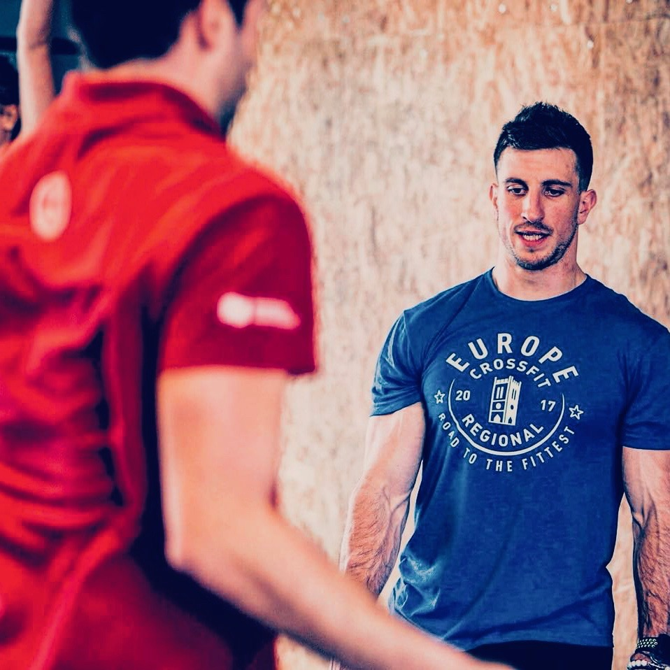 Devenez meilleur en CrossFit en vous entrainant moins… mais mieux !