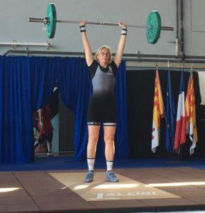 Annika E. qualifiée au championnat de France Master haltérophilie la compagnie de la barre crossfit